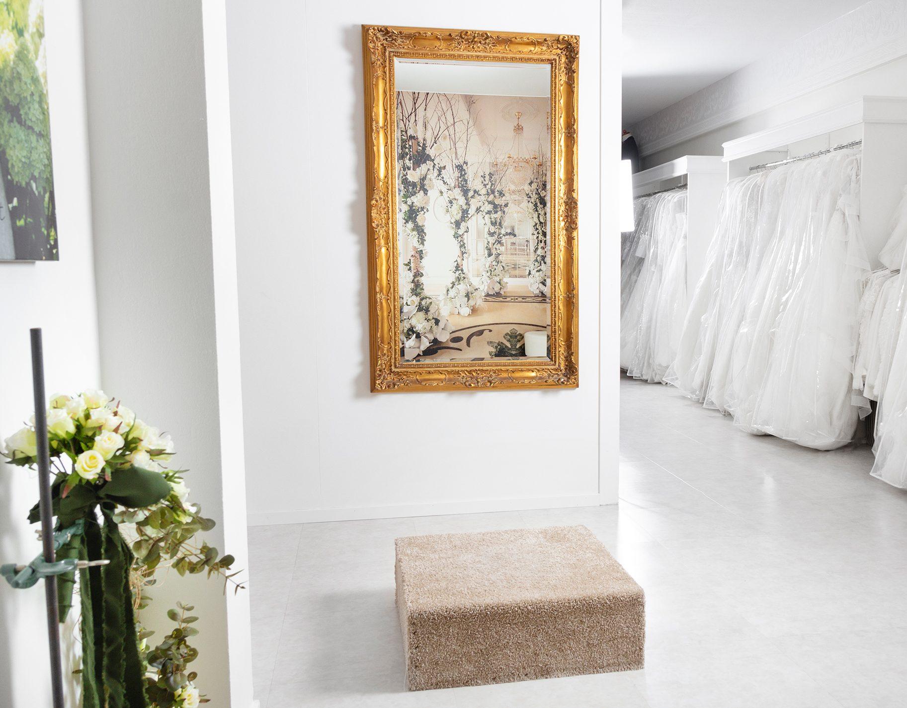 140ae8786599 Hem | Bröllopshuset | Klänningar och kostymer för bröllop och fest